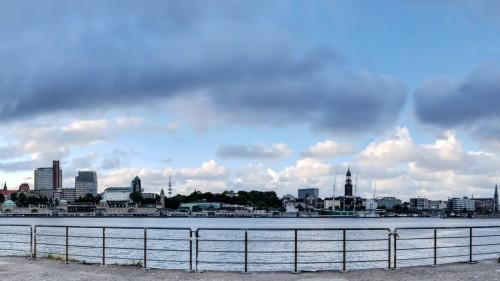 Landungsbrücken, den Michel und die Elbphilharmonie