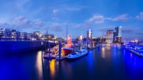 Hamburg Blueport 2015 Blick von der Überseebrücke